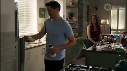 Finn Kelly, Bea Nilsson in Neighbours Episode 8282