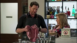 Shane Rebecchi, Sheila Canning in Neighbours Episode 8282