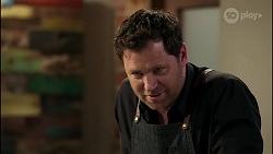 Shane Rebecchi in Neighbours Episode 8282