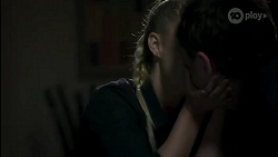 Roxy Willis, Shane Rebecchi in Neighbours Episode 8282