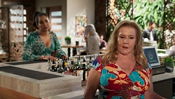 Dipi Rebecchi, Sheila Canning in Neighbours Episode 8286