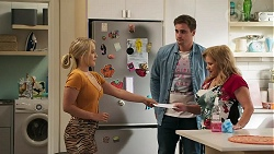 Roxy Willis, Kyle Canning, Sheila Canning in Neighbours Episode 8288