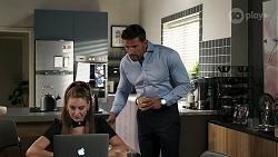 Chloe Brennan, Pierce Greyson in Neighbours Episode 8292