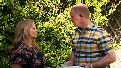 Sheila Canning, Clive Gibbons in Neighbours Episode 8292