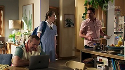 Toadie Rebecchi, Mackenzie Hargreaves, Shane Rebecchi in Neighbours Episode 8292