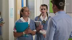 Harlow Robinson, Mackenzie Hargreaves, Hendrix Greyson in Neighbours Episode 8292