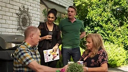 Clive Gibbons, Dipi Rebecchi, Gary Canning, Sheila Canning in Neighbours Episode 8292