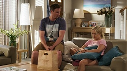 Kyle Canning, Roxy Willis in Neighbours Episode 8293