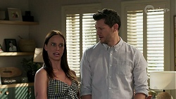 Bea Nilsson, Finn Kelly in Neighbours Episode 8293