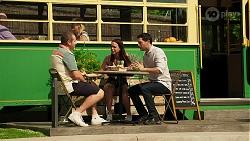 Toadie Rebecchi, Bea Nilsson, Finn Kelly in Neighbours Episode 8293