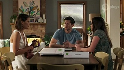 Elly Conway, Finn Kelly, Bea Nilsson in Neighbours Episode 8298