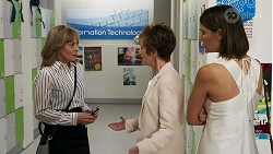 Jane Harris, Susan Kennedy, Elly Conway in Neighbours Episode 8299