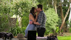 Dipi Rebecchi, Shane Rebecchi in Neighbours Episode 8299