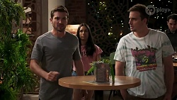 Ned Willis, Yashvi Rebecchi, Kyle Canning in Neighbours Episode 8300
