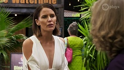 Elly Conway, Jane Harris in Neighbours Episode 8300