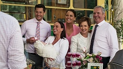 Toadie Rebecchi, Finn Kelly, Aster Conway, Bea Nilsson, Elly Conway, Susan Kennedy, Karl Kennedy in Neighbours Episode 8303