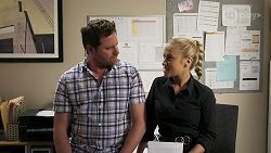 Shane Rebecchi, Roxy Willis in Neighbours Episode 8304