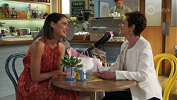 Elly Conway, Susan Kennedy in Neighbours Episode 8305