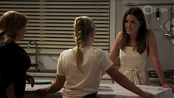 Terese Willis, Roxy Willis, Paige Smith in Neighbours Episode 8306