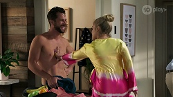 Mark Brennan, Roxy Willis in Neighbours Episode 8306