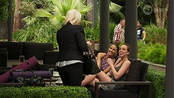 Lucy Robinson, Elly Conway, Bea Nilsson in Neighbours Episode 8308
