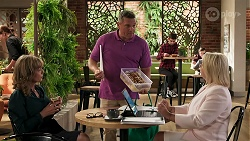 Jane Harris, Mark Gottlieb, Lucy Robinson in Neighbours Episode 8310