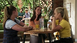 Harlow Robinson, Bea Nilsson, Roxy Willis in Neighbours Episode 8314
