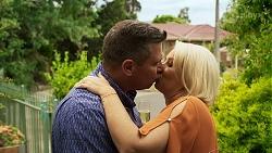 Mark Gottlieb, Lucy Robinson in Neighbours Episode 8317