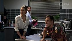 Chloe Brennan, Pierce Greyson, Aaron Brennan in Neighbours Episode 8318