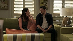 Bea Nilsson, Finn Kelly in Neighbours Episode 8319