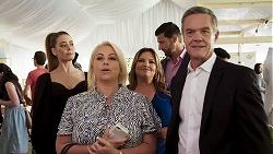 Chloe Brennan, Lucy Robinson, Terese Willis, Pierce Greyson, Paul Robinson in Neighbours Episode 8320