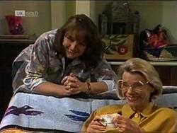 Pam Willis, Helen Daniels in Neighbours Episode 2181