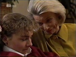 Debbie Martin, Helen Daniels in Neighbours Episode 2181