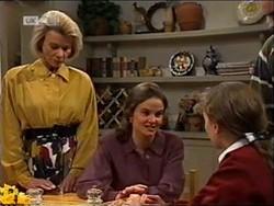 Helen Daniels, Julie Martin, Debbie Martin in Neighbours Episode 2181
