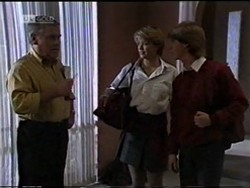 Lou Carpenter, Danni Stark, Brett Stark in Neighbours Episode 2182