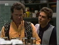 Dave Gottlieb, Mark Gottlieb in Neighbours Episode 2182