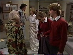 Helen Daniels, Sam Kratz, Danni Stark, Debbie Martin, Brett Stark in Neighbours Episode 2182