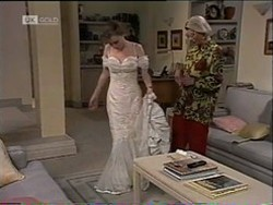 Debbie Martin, Helen Daniels in Neighbours Episode 2182