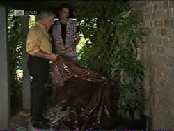 Lou Carpenter, Sam Kratz in Neighbours Episode 2182