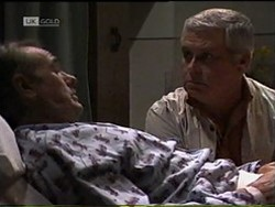 Doug Willis, Lou Carpenter in Neighbours Episode 2185