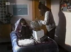 Debbie Martin, Julie Martin in Neighbours Episode 2205