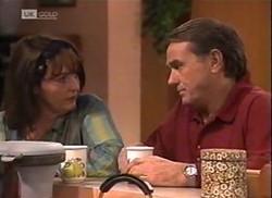 Pam Willis, Doug Willis in Neighbours Episode 2206