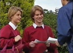 Danni Stark, Brett Stark, Postman in Neighbours Episode 2206