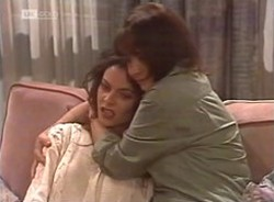 Gaby Willis, Pam Willis in Neighbours Episode 2208