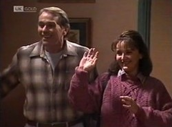 Doug Willis, Pam Willis in Neighbours Episode 2208