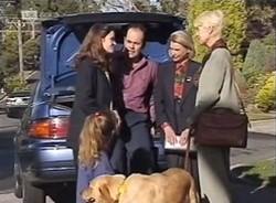 Hannah Martin, Julie Martin, Holly, Philip Martin, Helen Daniels, Rosemary Daniels in Neighbours Episode 2209