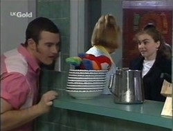 Stonie Rebecchi, Angie Rebecchi, Debbie Martin in Neighbours Episode 2663