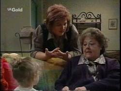 Louise Carpenter (Lolly), Cheryl Stark, Marlene Kratz in Neighbours Episode 2665