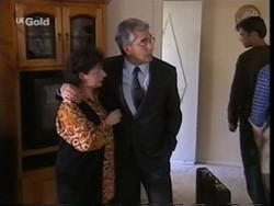 Mrs. Kotsonis, Mr. Kotsonis, Malcolm Kennedy, Darren Stark in Neighbours Episode 2666