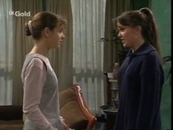 Hannah Martin, Libby Kennedy in Neighbours Episode 2668